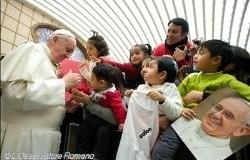 البابا فرنسيس يزور مستوصف القديسة مرتا لطب الأطفال