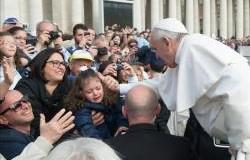 في مقابلته العامة مع المؤمنين البابا يتحدث عن سرّ الزواج