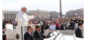 البابا فرنسيس يتحدّث عن زيارته الرسوليّة إلى مصر